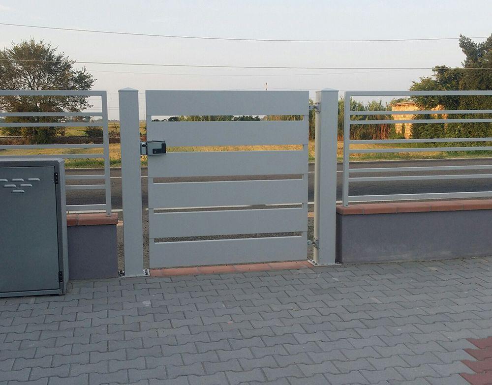 Preventivo Cancello Moderno Pedonale In Ferro Con Carter Bologna
