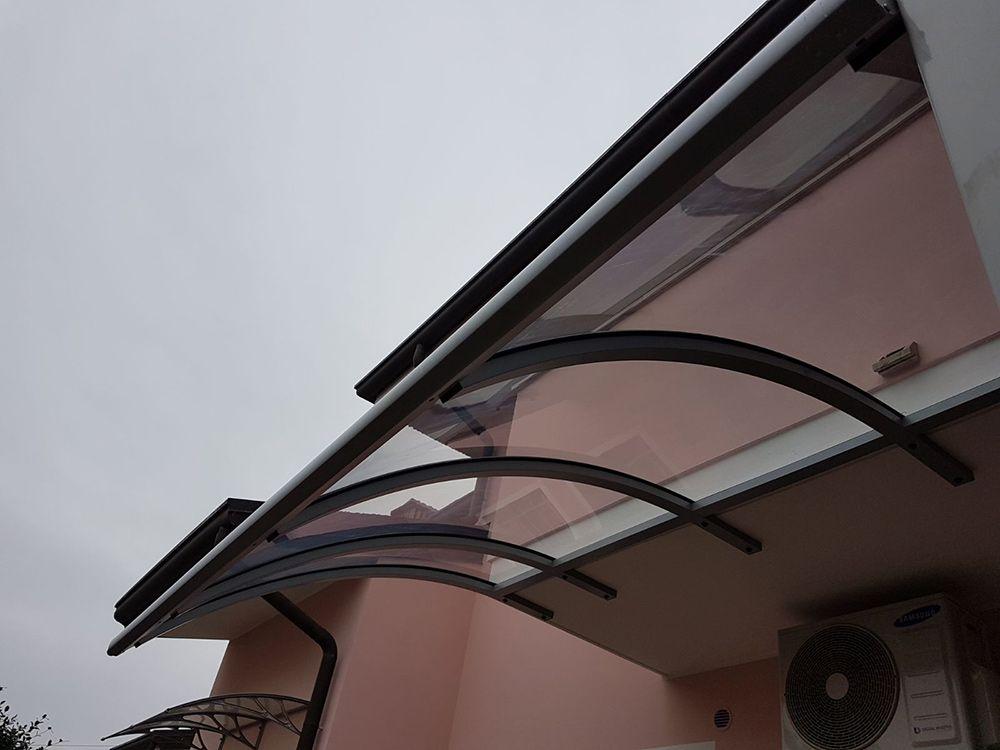 Pensilina In Alluminio Linea Sotto Terrazzo Bologna