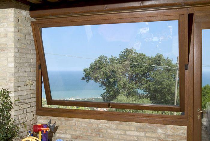 Preventivo finestra in legno bilico orizzontale bologna for Finestre orizzontali