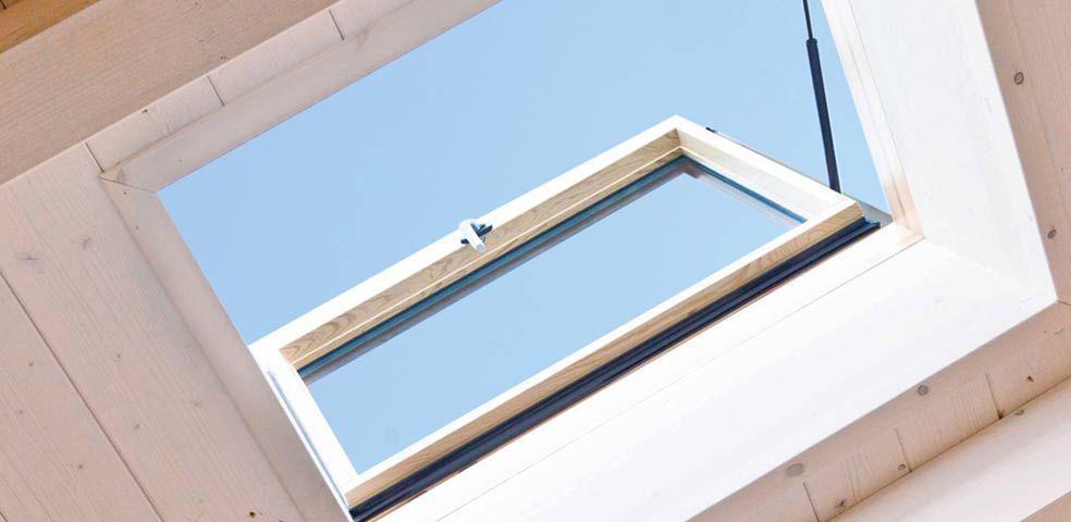finestra per tetti tipo botola apribile laterale a 90