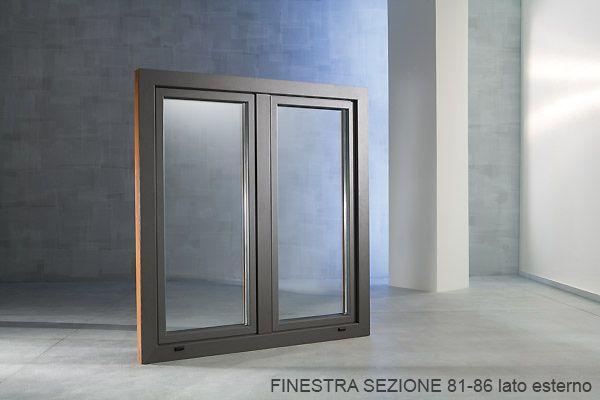 Portafinestra 2 ante in legno alluminio bologna for Finestra 4 ante