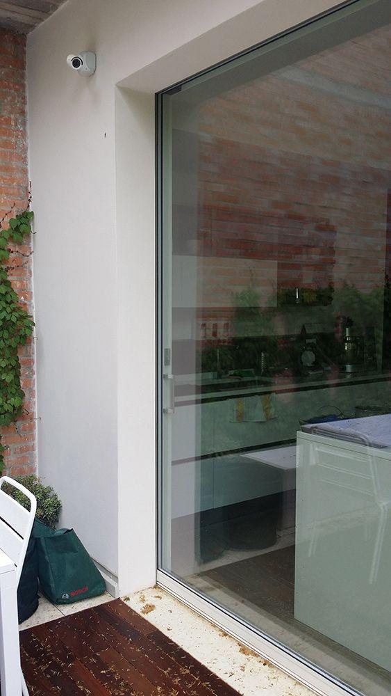 Preventivo finestra in alluminio minimale taglio termico 2 for Finestra 3 ante scorrevoli