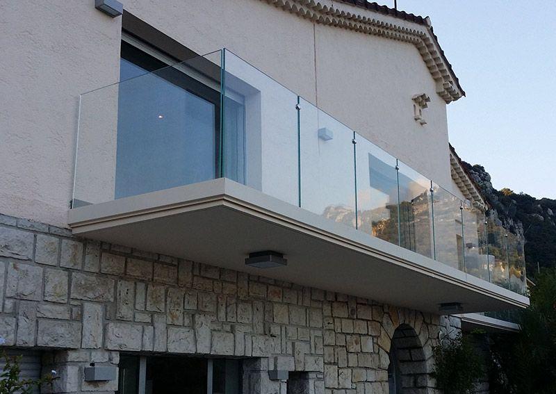 Parapetto in vetro con profilo fissato lateralmente bologna - Parapetto terrazzo ...