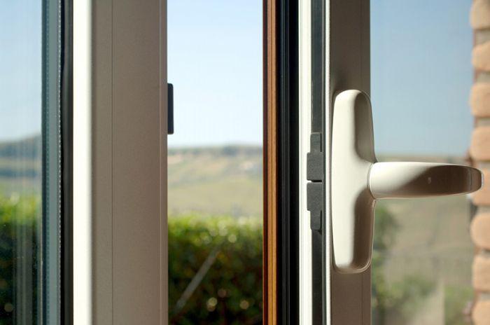 Preventivo portafinestra in alluminio taglio termico 2 for Preventivo finestre alluminio