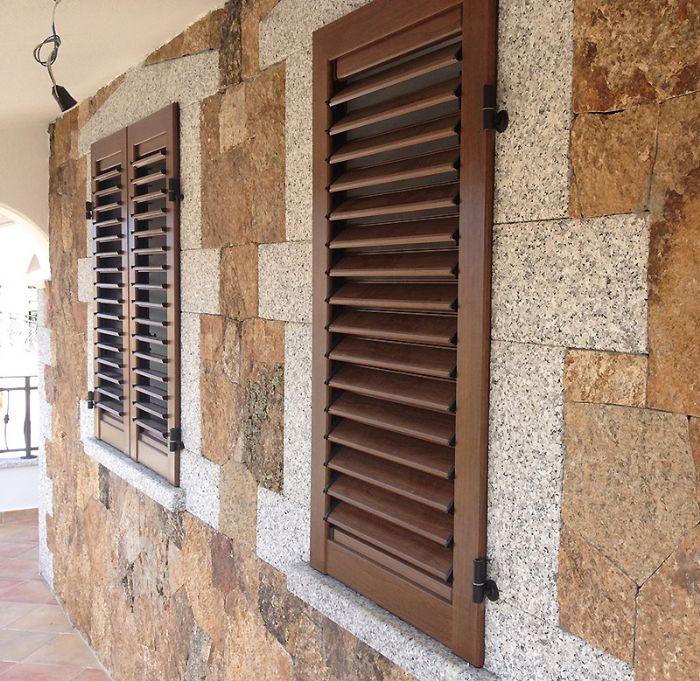 Persiane alluminio prezzo al metro quadro for Scuri in legno costo