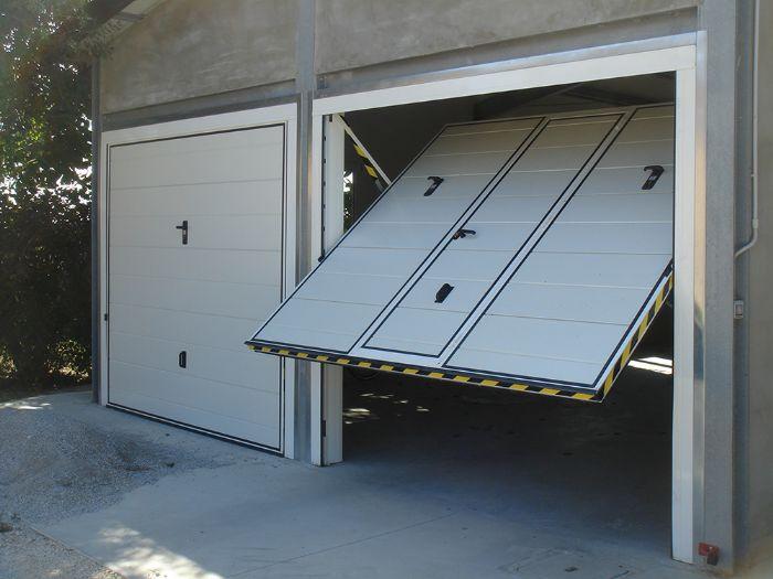 Preventivo porta basculante standard per garage bologna for Casa con garage laterale