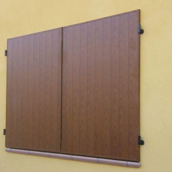 Scurone in alluminio per finestra 2 ante bologna for Effetto legno su muro