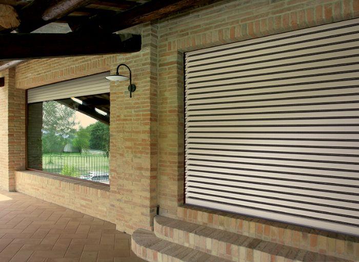 Tapparella blindata autobloccante con stecche orientabili kg 11 cad mq bologna - Serranda porta finestra ...