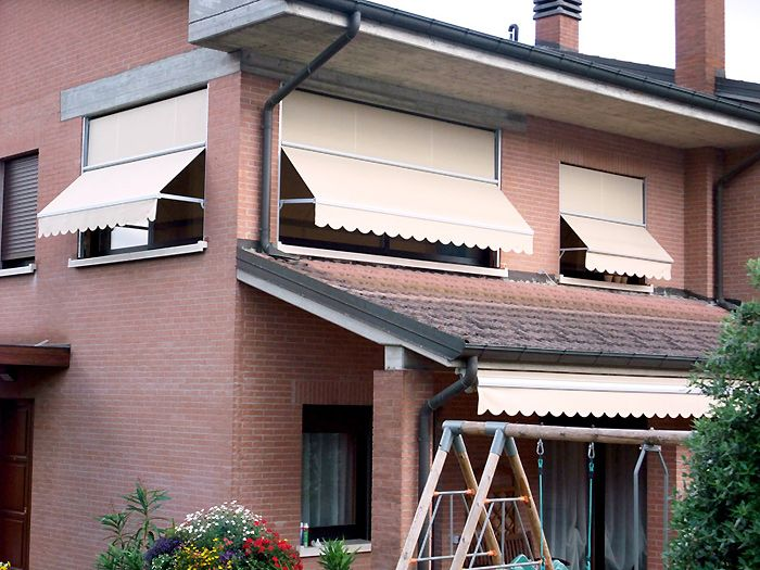 Tende Per Esterni Bologna.Tende Da Balcone A Caduta Pin By Arquati On Tende Da Sole Tende A