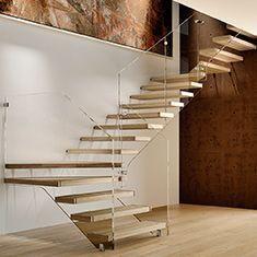Preventivo scala con gradini in legno a sbalzo effetto for Gradini in legno massello prezzo