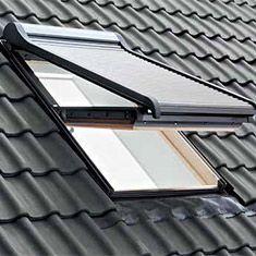 Tapparella per finestre da tetto con misure standard bologna for Misure standard finestre
