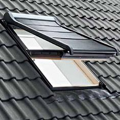 Tenda esterna oscurante per finestre da tetto con misure for Finestre velux misure standard
